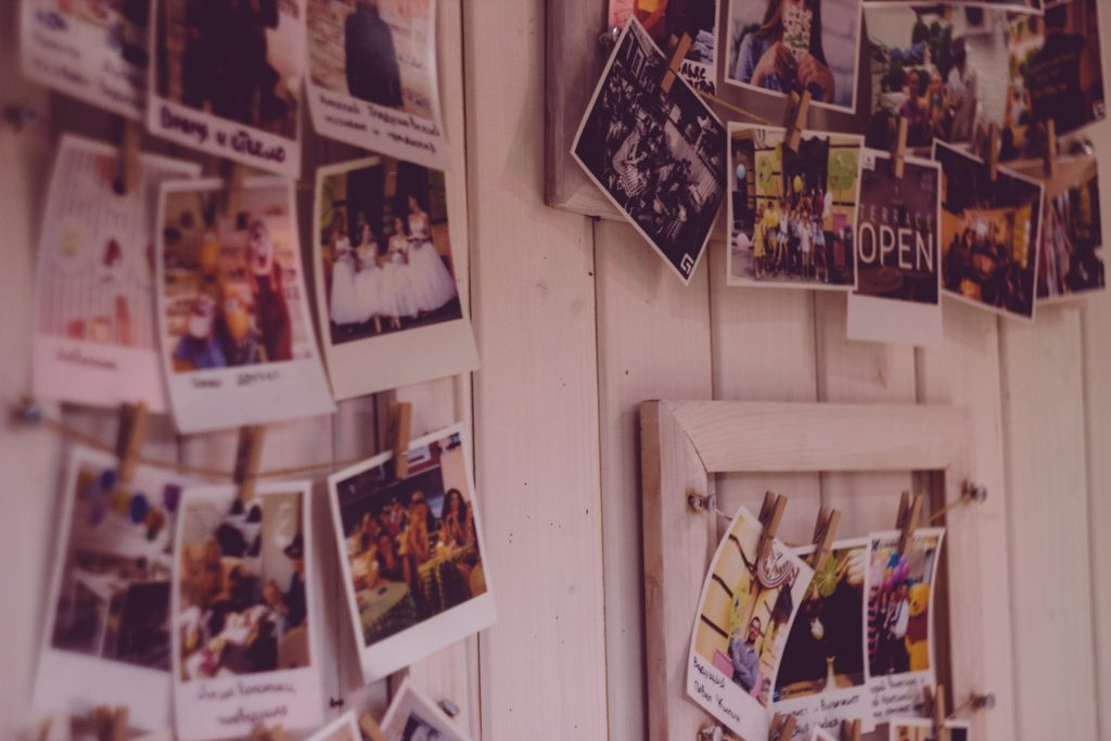 Polaroids na parede